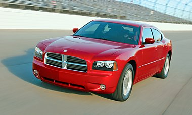 2007 Dodge Charger RT RWD with Hemi power. (684)