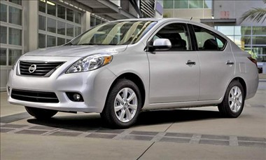 2012 Nissan Versa (909)
